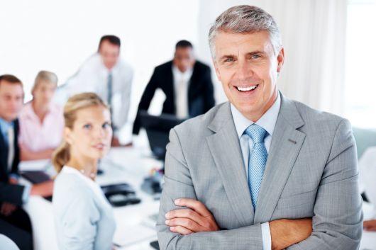 KuV24-berater versichert: Erfolgreicher Berater bei der Arbeit mit der richtigen Berufshaftpflicht